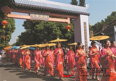 """""""穿越""""回明清品茶听曲 再现数百年前万江热闹景象"""