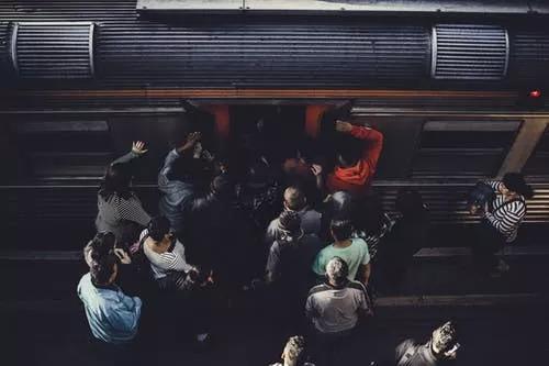 抢不到的春运火车票,打不到的返乡顺风车