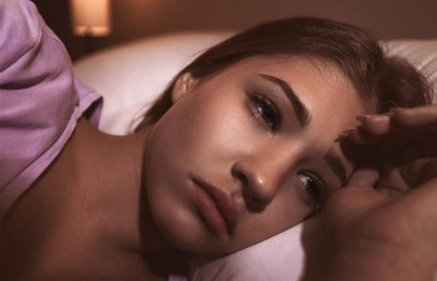 白天事多,晚上睡不着,如何才能让大脑不要胡思乱想?