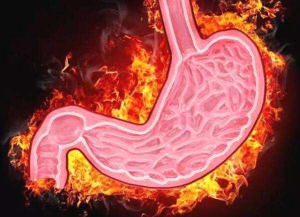 """胃瘤变一发现就是晚期,身体曾3次""""提醒你"""",不过被忽视了"""